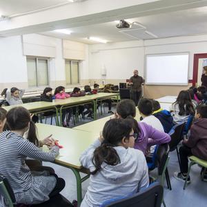 CHARLAS CON ARTISTAS EN CENTROS EDUCATIVOS