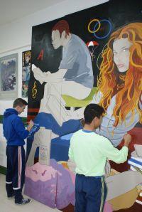 Realización de un mural con los alumnos de secundaria